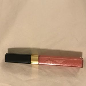 Chanel lip gloss 148 petit peche